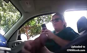 Girlfriend watches me jerk my cock in the car