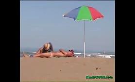 Beach CFNM handjob